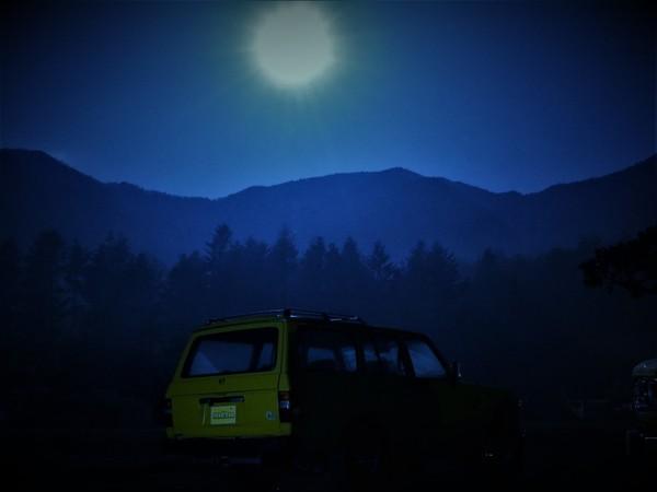 朝霧高原_ふもとっぱらでそとあそび_ふもとっぱら_フレックスドリーム_ブース_キャンプサイト_深夜_ランクル_FJ62LG_ スーパームーン_直前