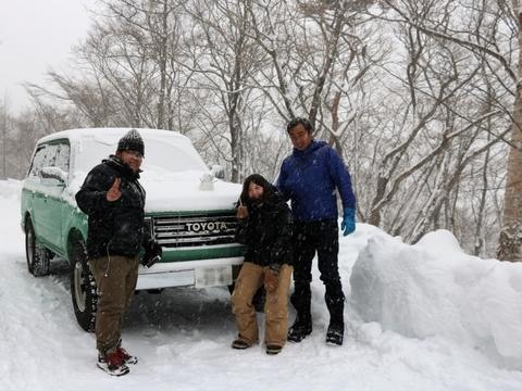 雪中キャンプ_ランクル80_丸目クラシックカスタム_記念写真