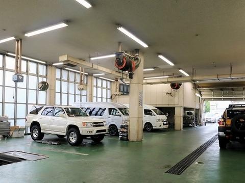 フレックスドリーム_ランクル仙台東店_サービス_整備_ピット_工場