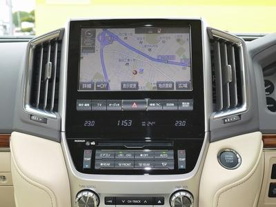 新型ランクル200現行モデル マルチナビゲーションモニター