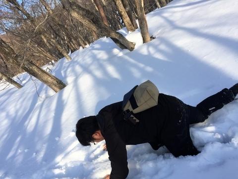 雪中キャンプ_歩けない_積雪_スタッフ