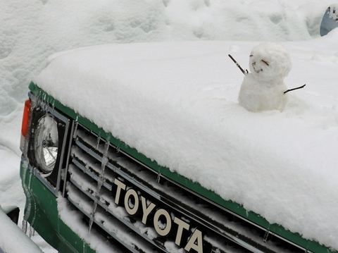 雪中キャンプ_ランクル80_丸目_カスタム_雪だるま