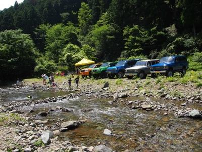 ランクル200・80・60 ボスコオートキャンプ 川遊び