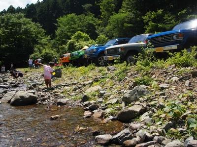 ランクル200・80・60 ボスコオートキャンプ 子供連れで川遊び
